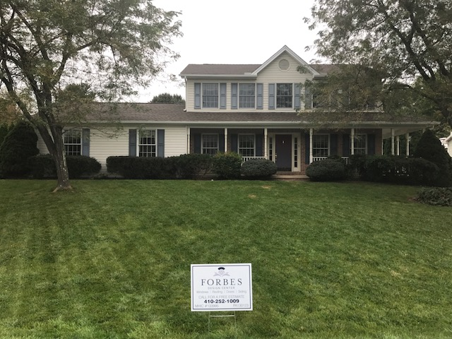 forbes-design-center-sign-on-lawn
